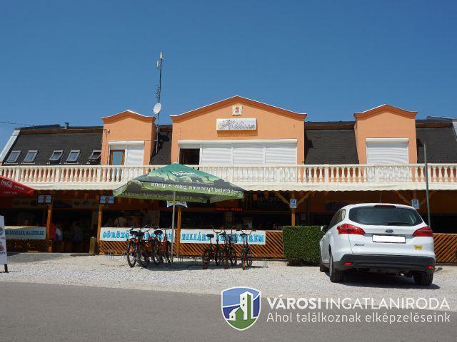 Kiváló Balatonparti, befektetési lehetőség!!!