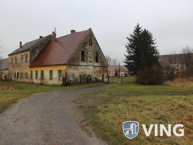 Kemenespálfán, Gróf Révai-család műemlék, kastélya eladó.