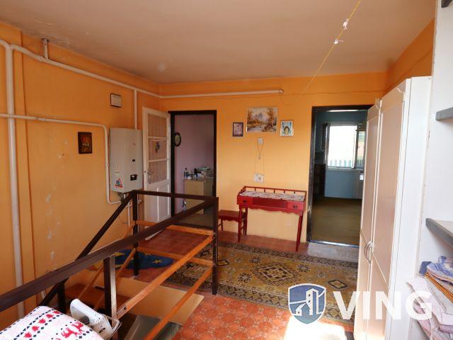 Két szintes családi ház a fürdő közelében