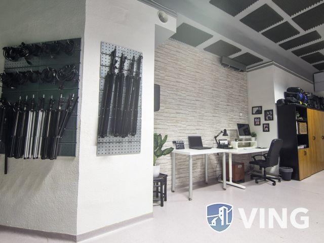 Professzionálisan felszerelt design stúdió, Budán
